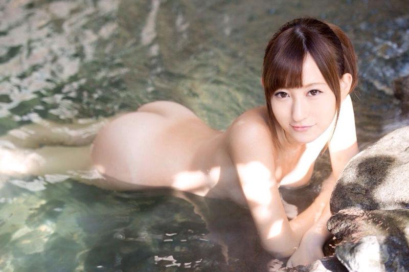 美女 温泉 ヌード エロ画像【2】