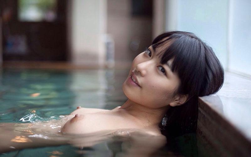 美女 温泉 ヌード エロ画像【8】