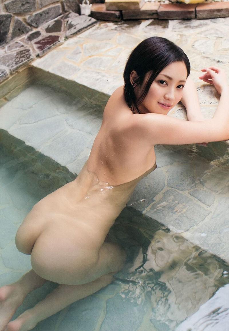 美女 温泉 ヌード エロ画像【22】