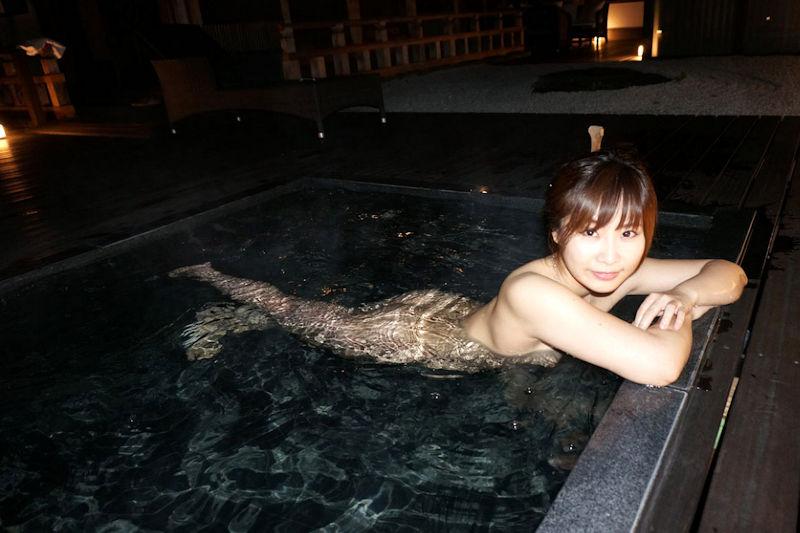 美女 温泉 ヌード エロ画像【23】