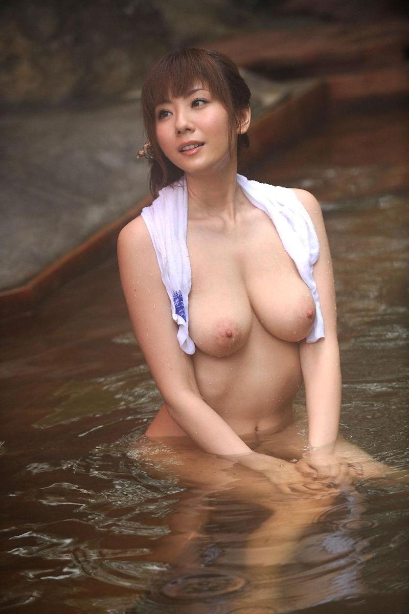 美女 温泉 ヌード エロ画像【30】