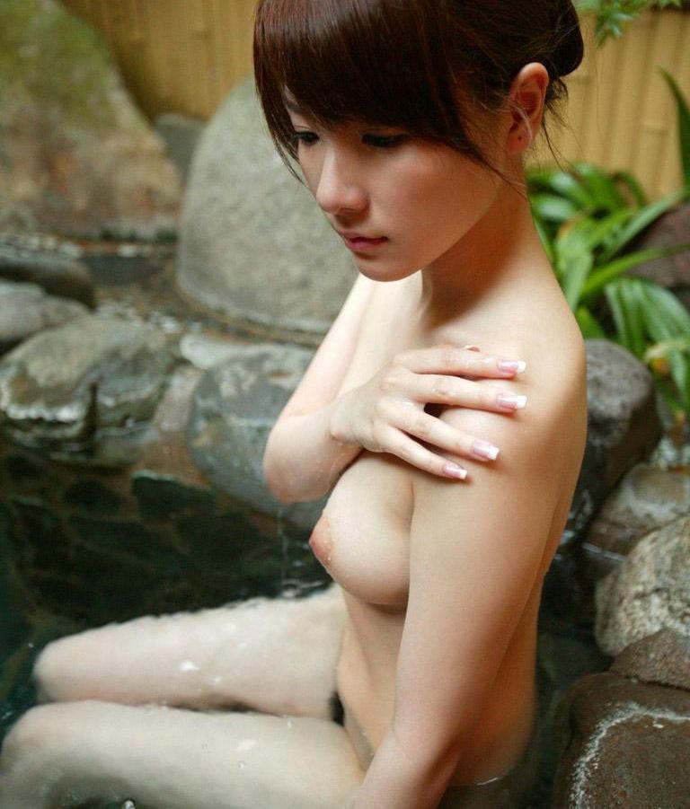 美女 温泉 ヌード エロ画像【31】