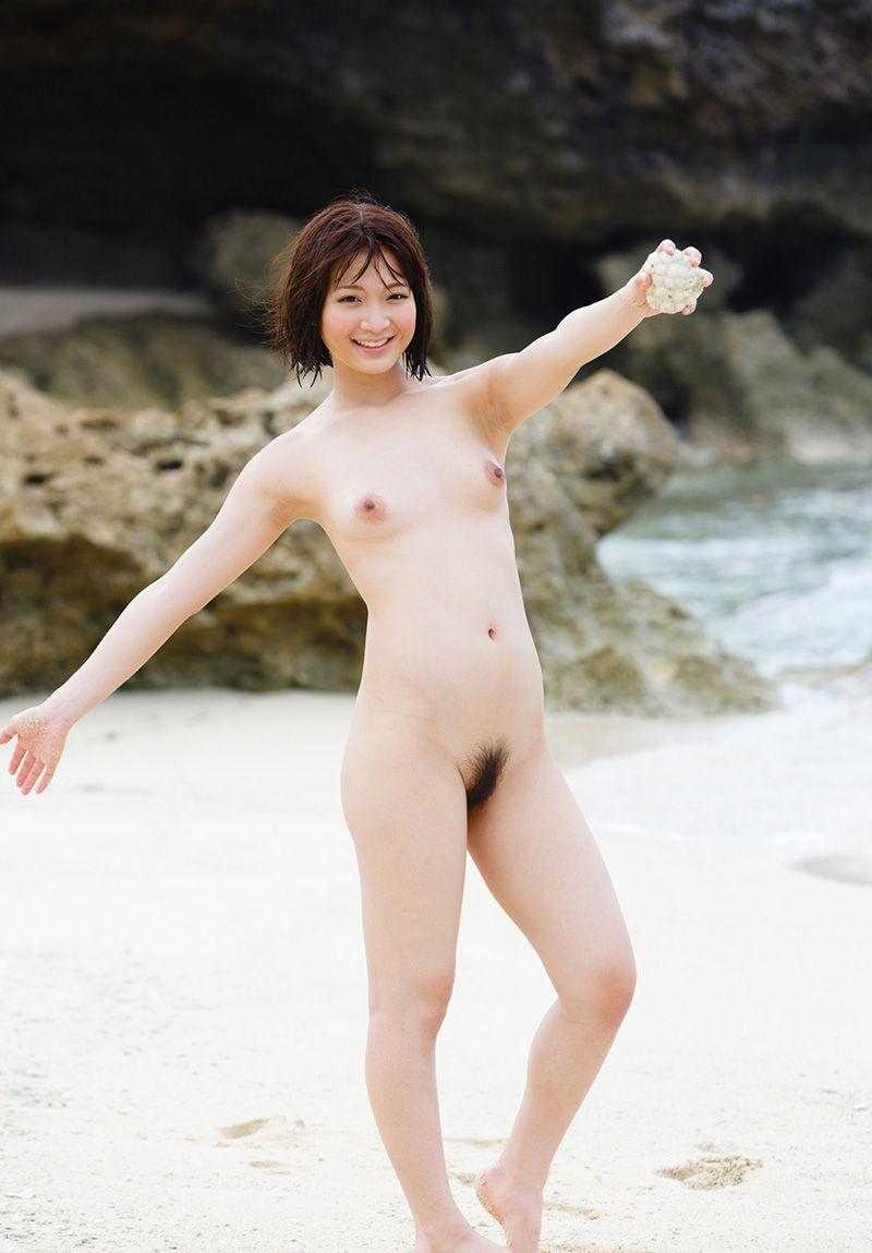 海 全裸 美女 ビーチ ヌード エロ画像【3】