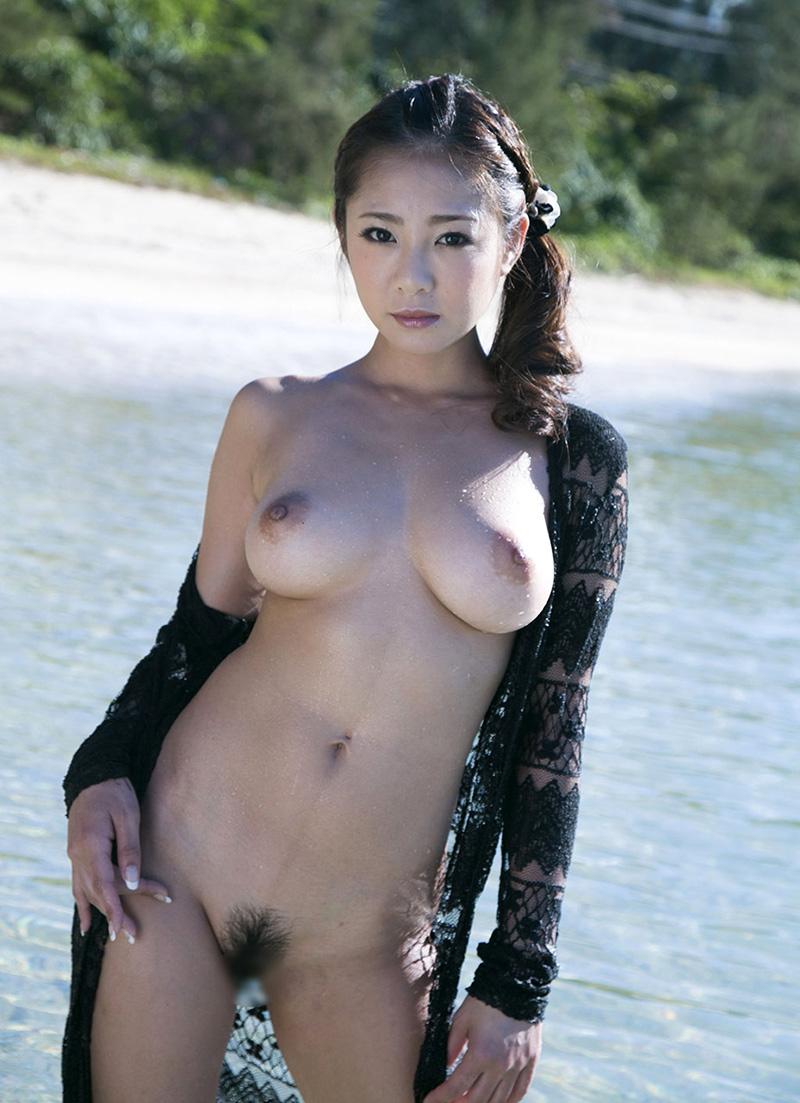 海 全裸 美女 ビーチ ヌード エロ画像【4】
