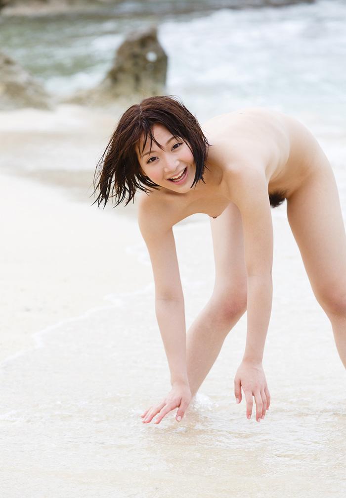 海 全裸 美女 ビーチ ヌード エロ画像【7】