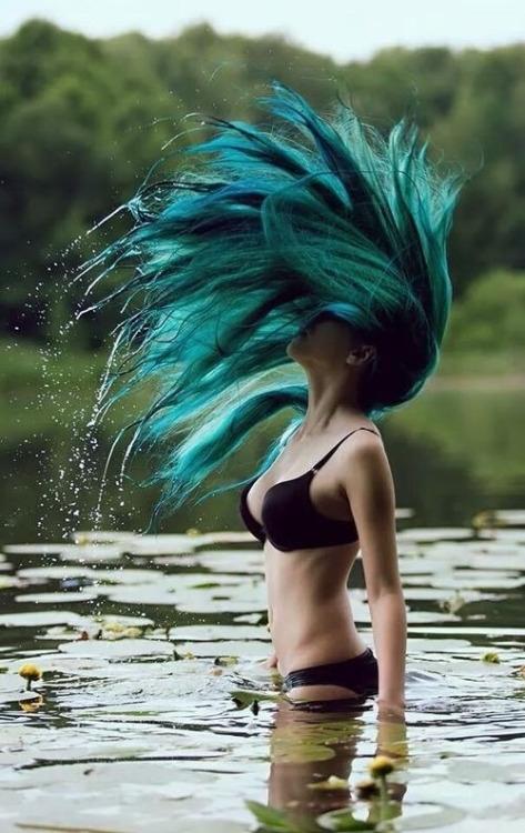 外国人 髪の毛 カラフルヘア エロ画像【17】