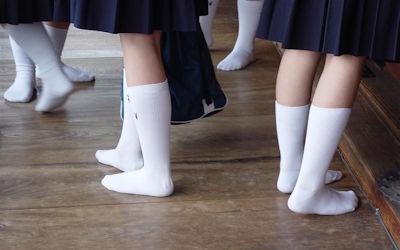JKの靴下は白が良いスクールソックスのエロ画像 ①