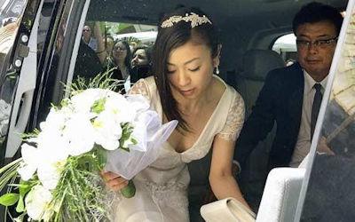 ドレス姿の花嫁やご友人が結婚式で胸チラしてるエロ画像 ④