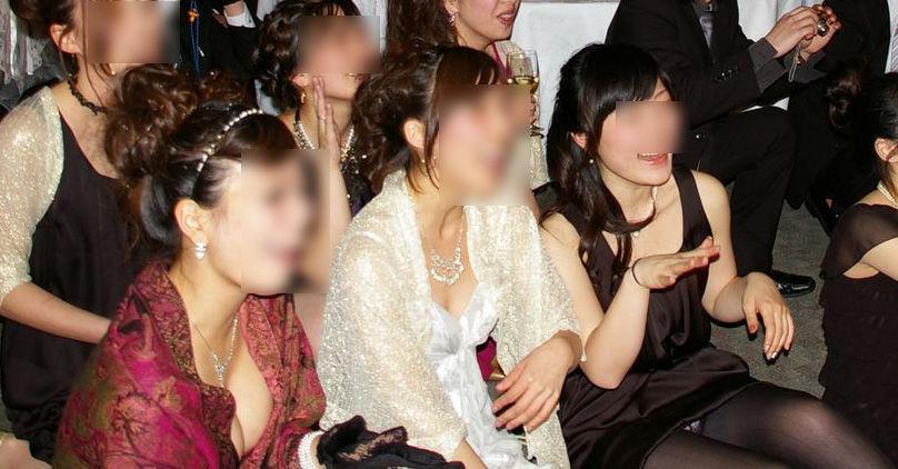 ドレス 花嫁 ご友人 結婚式 胸チラ エロ画像【6】