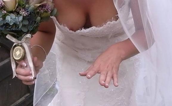 ドレス 花嫁 ご友人 結婚式 胸チラ エロ画像【11】