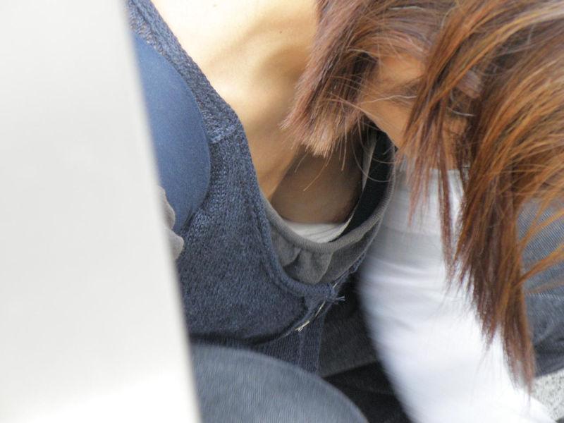 胸チラ ブラ 裏側 ブラジャー エロ画像【56】