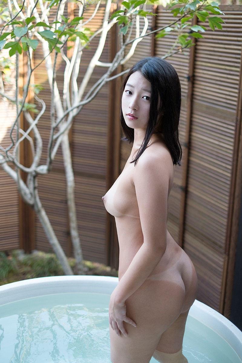 お尻 横アングル 膨らみ エロ画像【24】