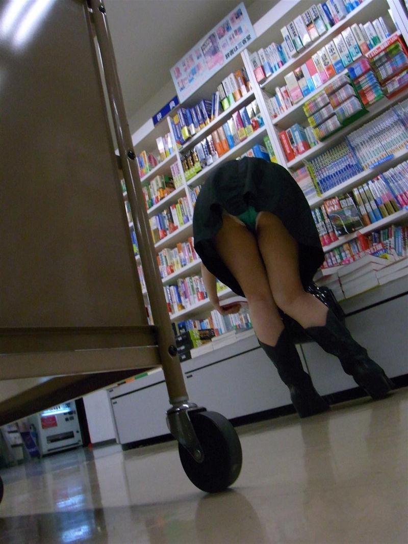 お店 パンツ 店内 パンチラ エロ画像【47】