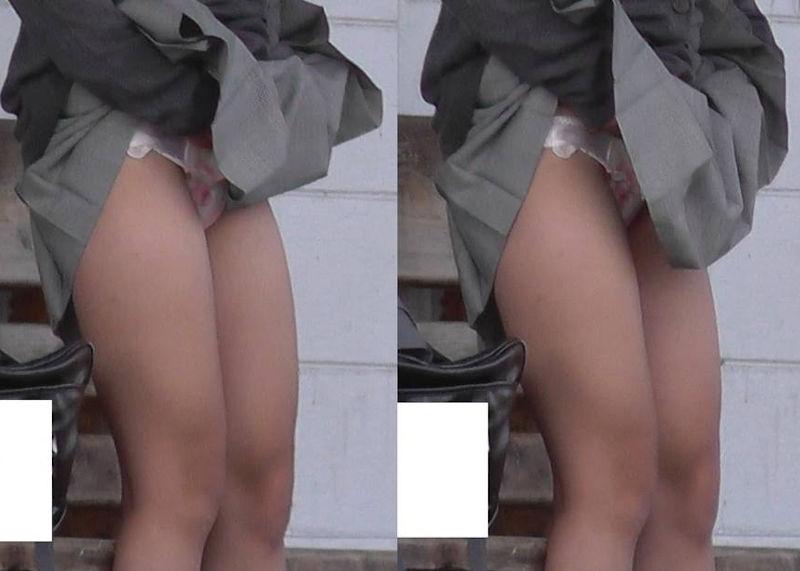 パンツ食い込み直しJKがスカートを捲るパンチラ・尻チラ画像のエロ画像
