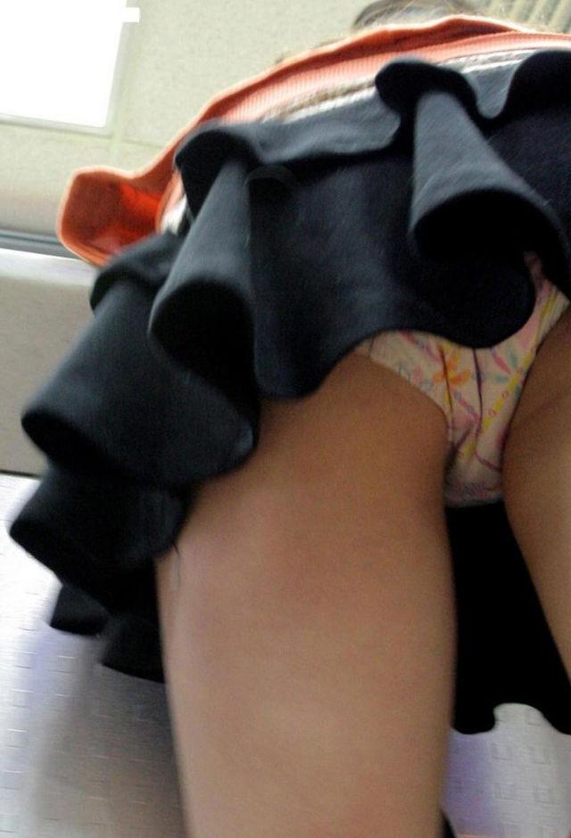 ティアード スカート ふりふり フリル パンチラ エロ画像【26】