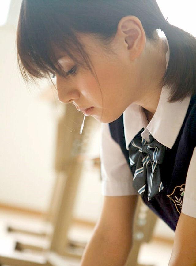 唾液 糸引く ツバ ビヨーン エロ画像【14】