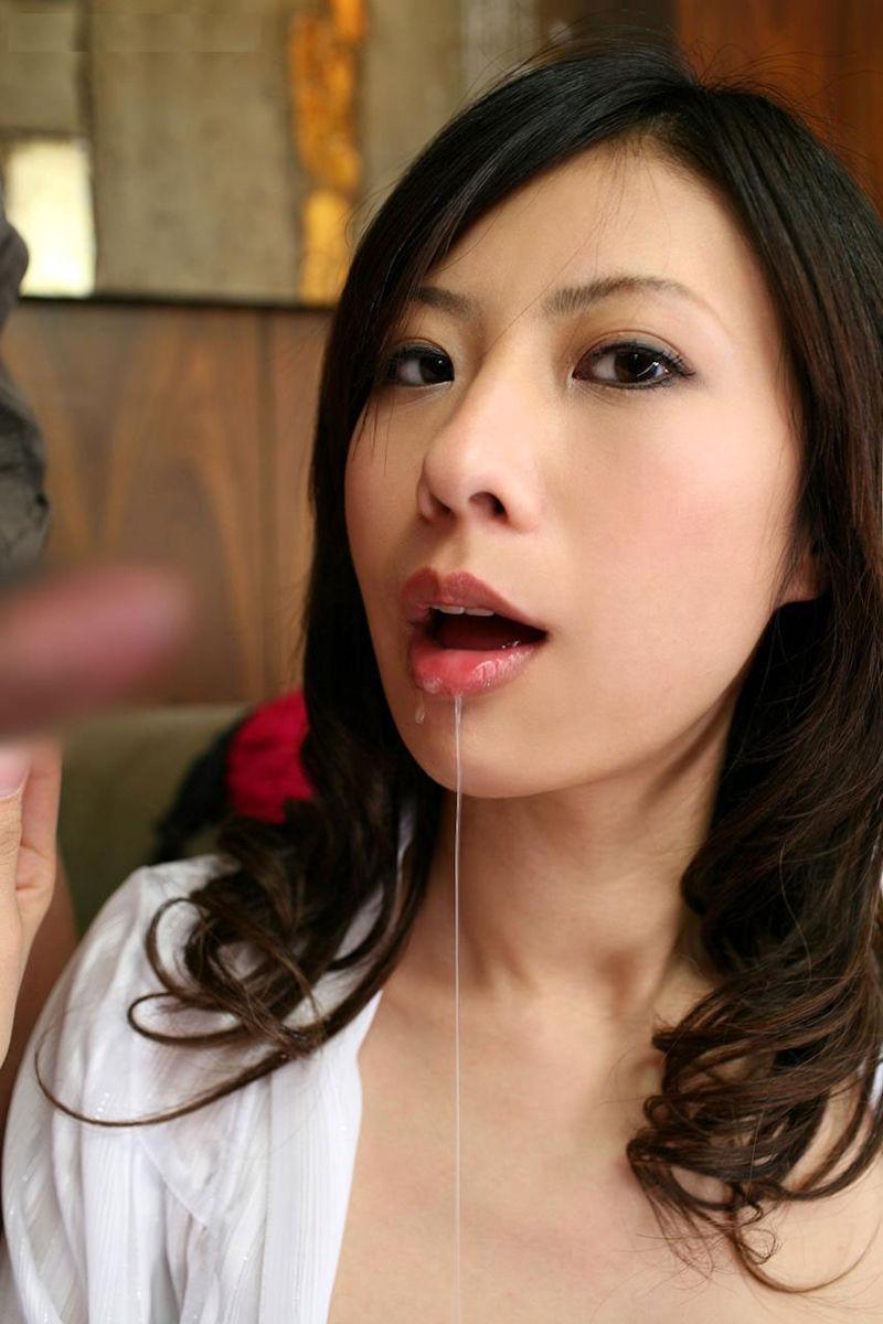 唾液 糸引く ツバ ビヨーン エロ画像【34】