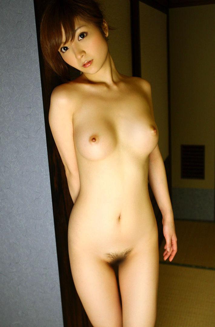 直立 ヌード 美しい 全裸 美女 エロ画像【32】