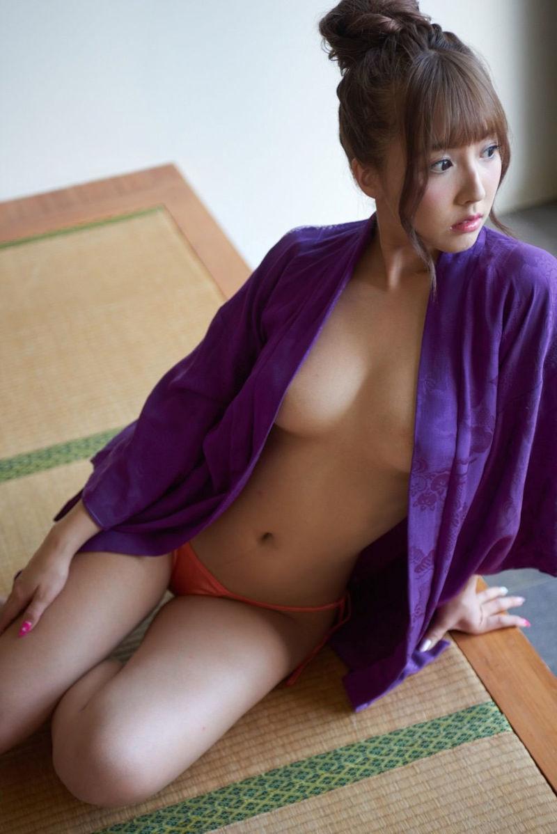 服 乳首 ギリギリ 隠す 着衣 エロ画像【43】