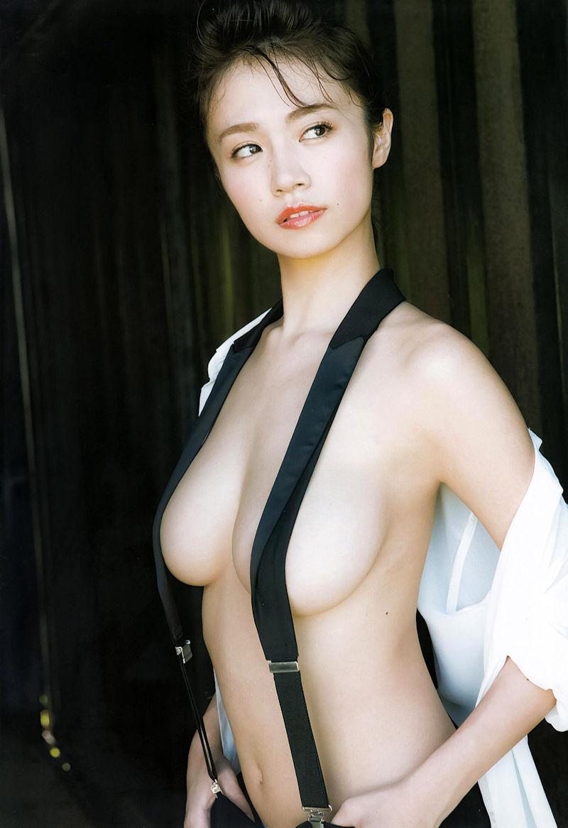 吊りバンド 乳首 隠す サスペンダー おっぱい エロ画像【9】
