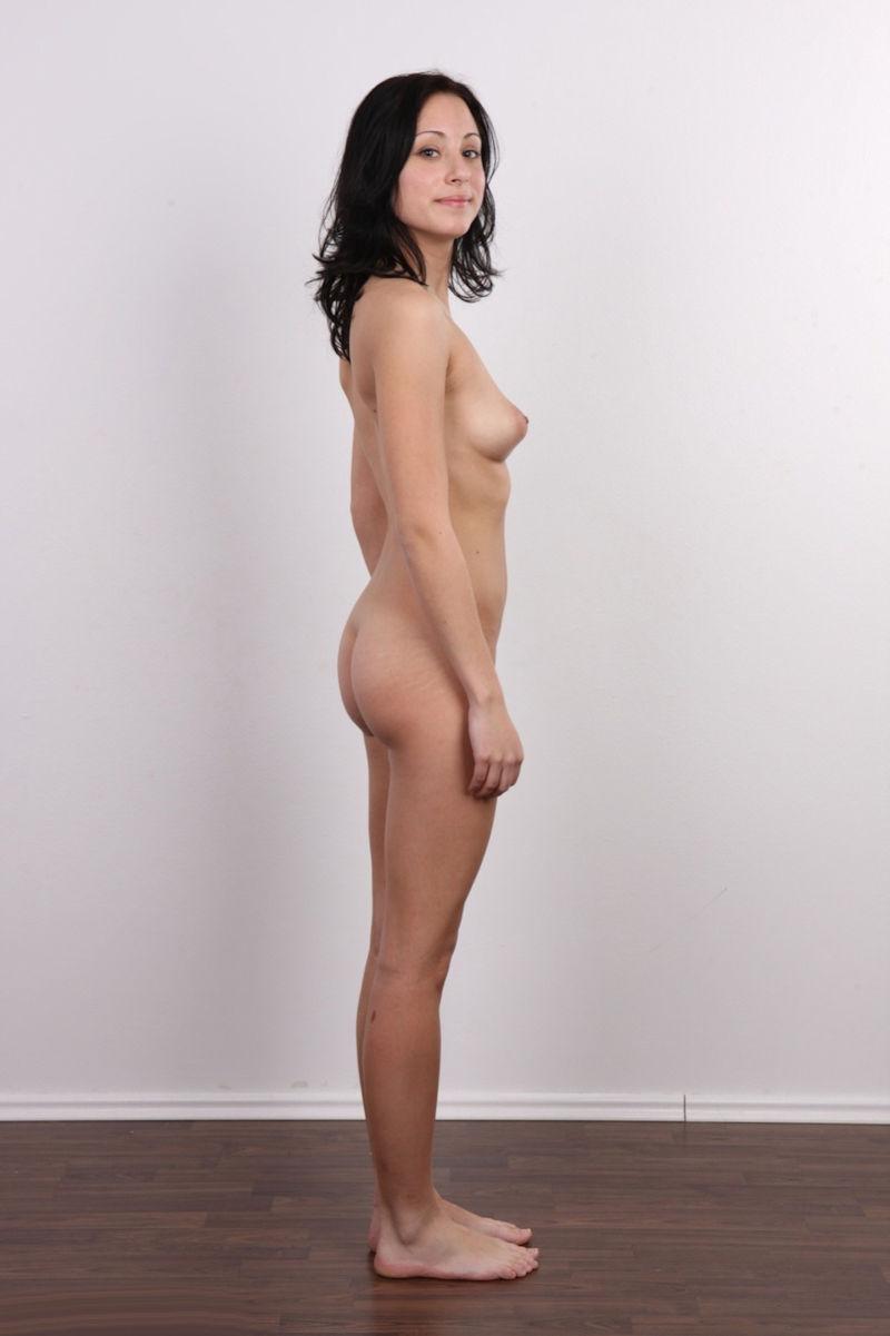 気を付け ヌード 全裸 外国人 熟女 直立 横向き エロ画像【4】