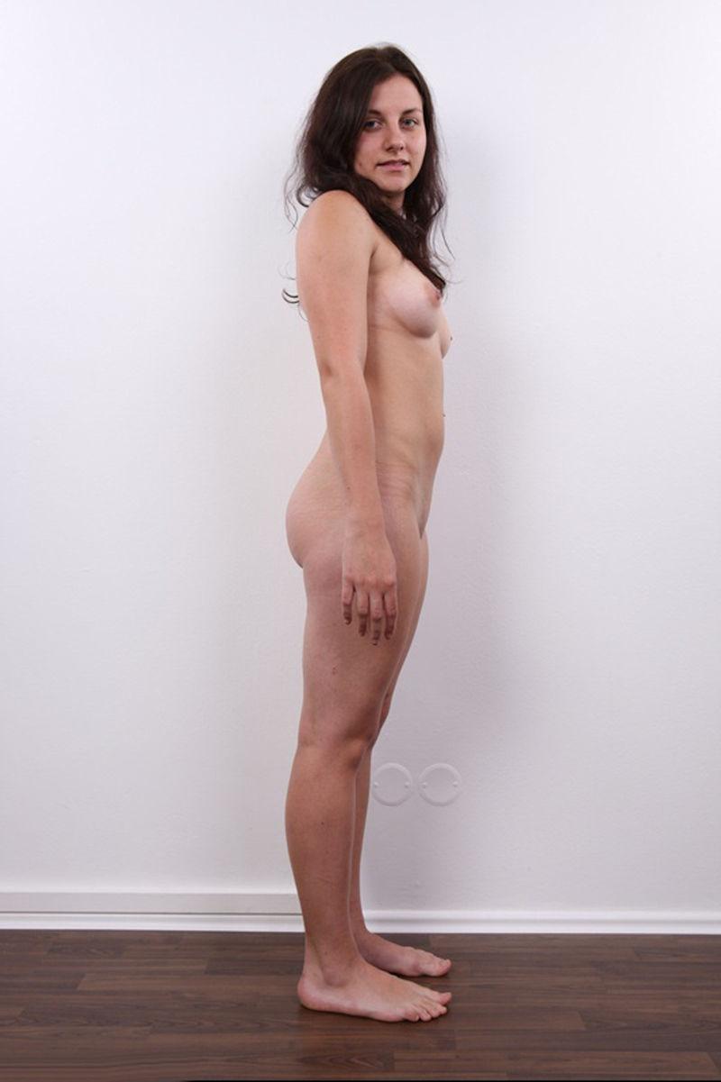 気を付け ヌード 全裸 外国人 熟女 直立 横向き エロ画像【8】