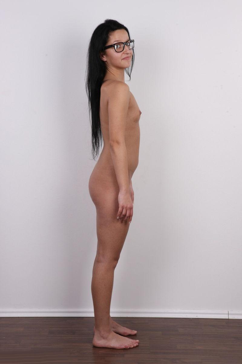 気を付け ヌード 全裸 外国人 熟女 直立 横向き エロ画像【15】