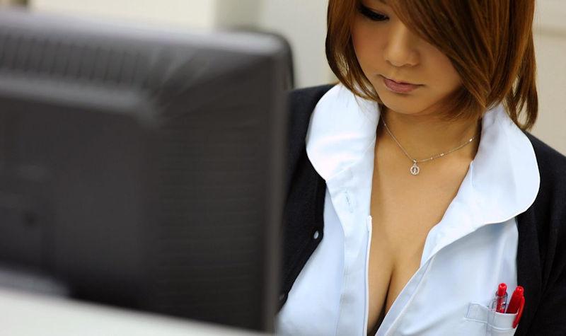 ナース服 パツパツ 着衣 巨乳 看護師 エロ画像【24】