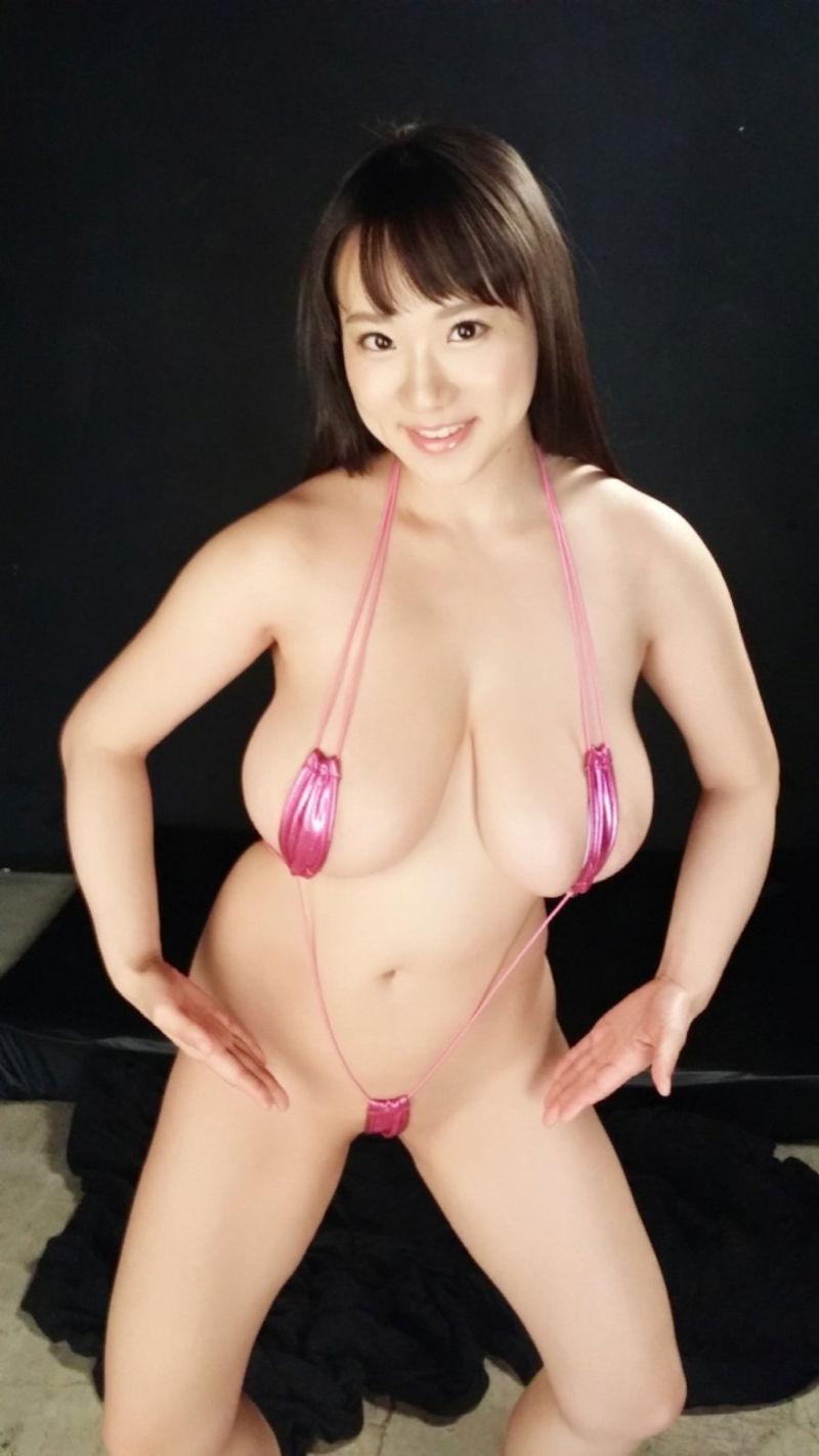 極小 変態 水着 セクシー ポーズ エロ画像【1】