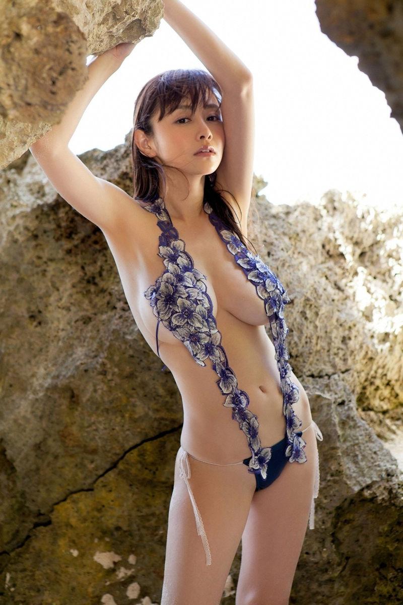 極小 変態 水着 セクシー ポーズ エロ画像【21】