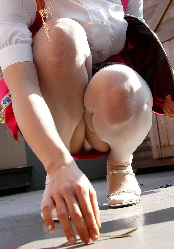 股間 ぷっくり 太もも 挟まれる モリマン エロ画像【15】