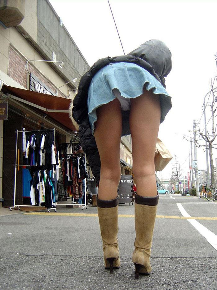 美脚 パンツ セクシー パンチラ エロ画像【18】