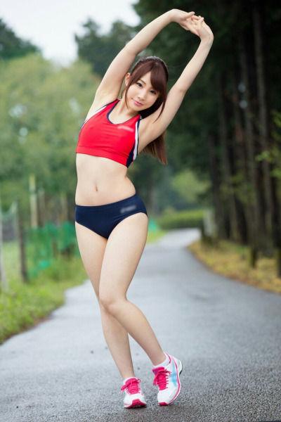 スポーツブラ スポブラ 美女 エロ画像【5】
