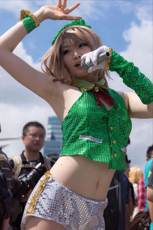お腹 コミケ ヘソ コスプレイヤー エロ画像【36】
