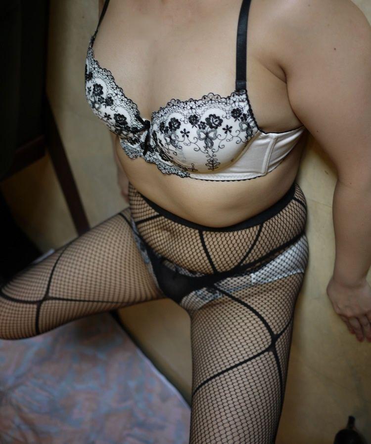 熟女 下着姿 セクシー エロ画像【37】