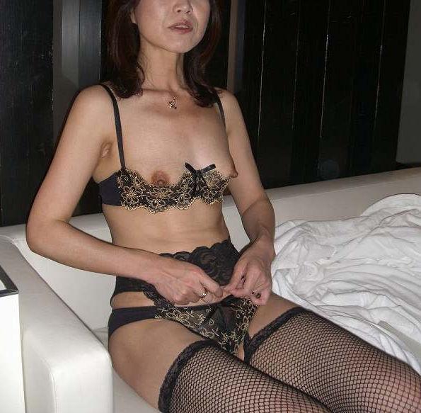 熟女 下着姿 セクシー エロ画像【45】