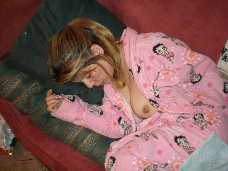 おっぱい 眠る 外国人 寝姿 エロ画像【22】
