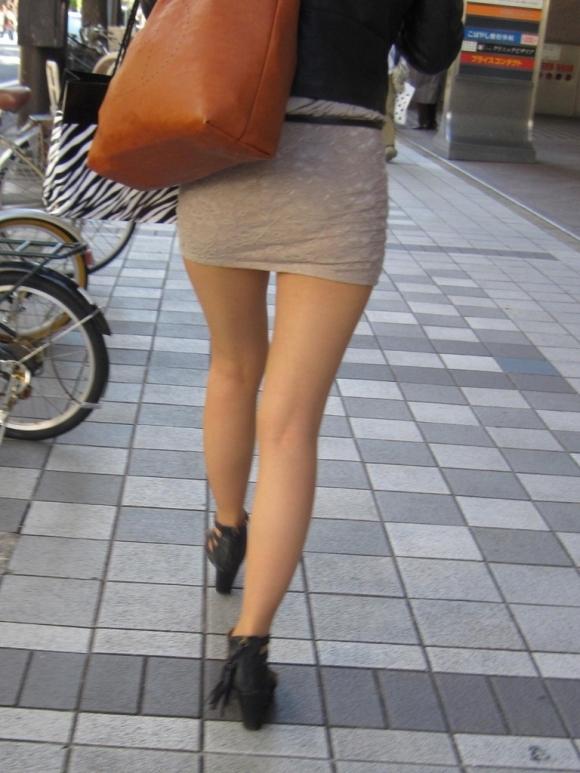 ミニスカ ギャル 街撮り 太もも エロ画像【7】