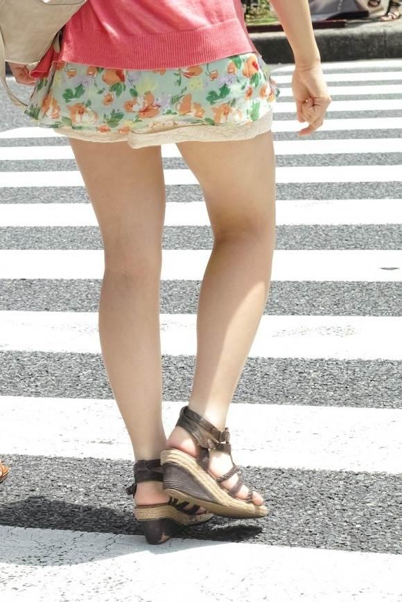 ミニスカ ギャル 街撮り 太もも エロ画像【15】