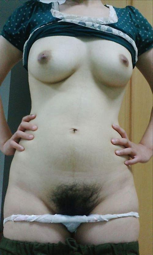 まん毛 おっぱい 剛毛 巨乳 エロ画像【12】