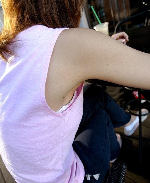 斜め後ろ 角度 胸チラ 覗き込む エロ画像【4】