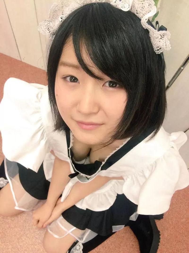 胸 谷間 メイド 胸チラ エロ画像【1】