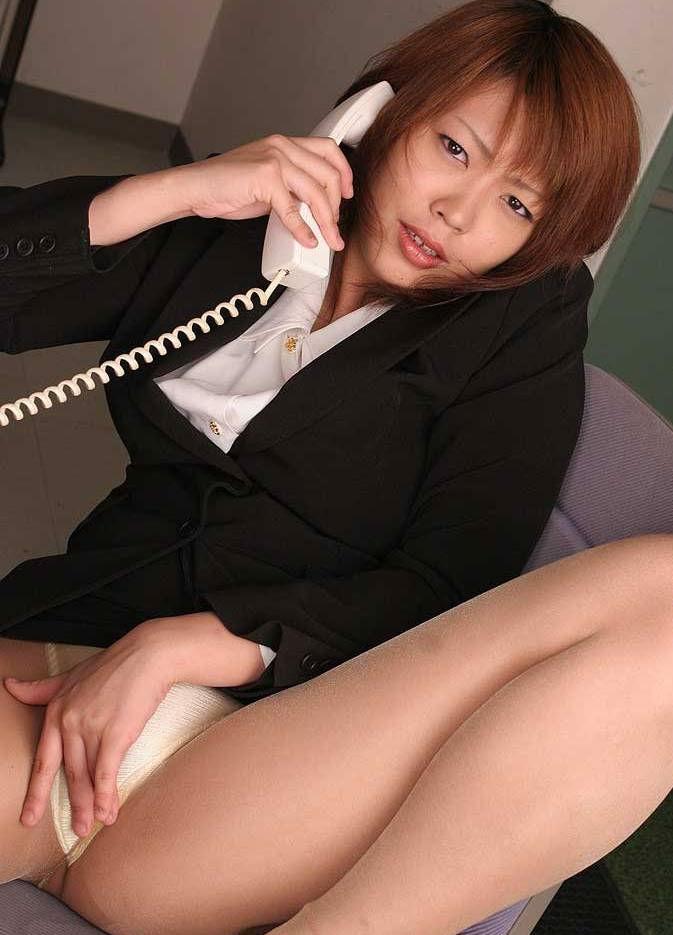 OL 会社内 オナニー エロ画像【33】