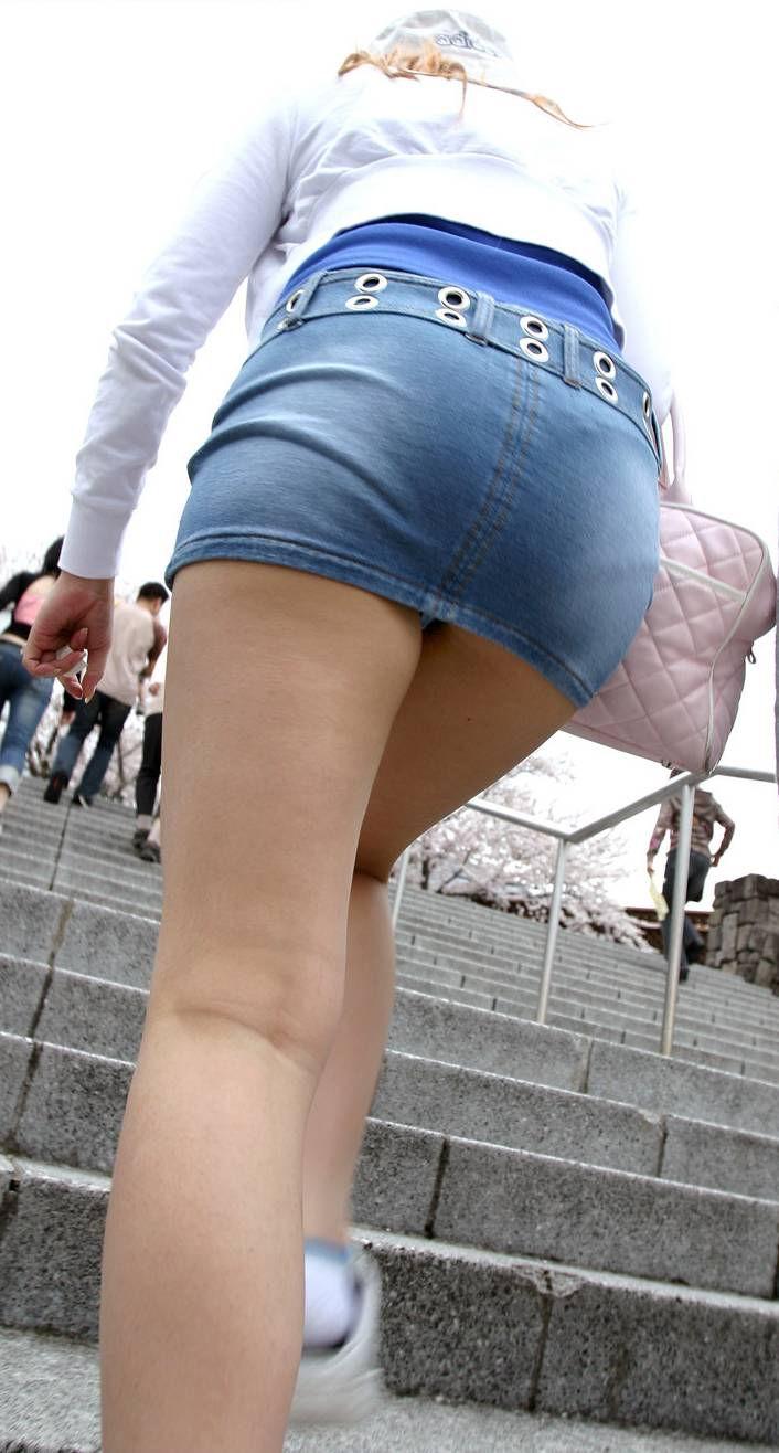 階段 背後 お尻 見上げる エロ画像【8】