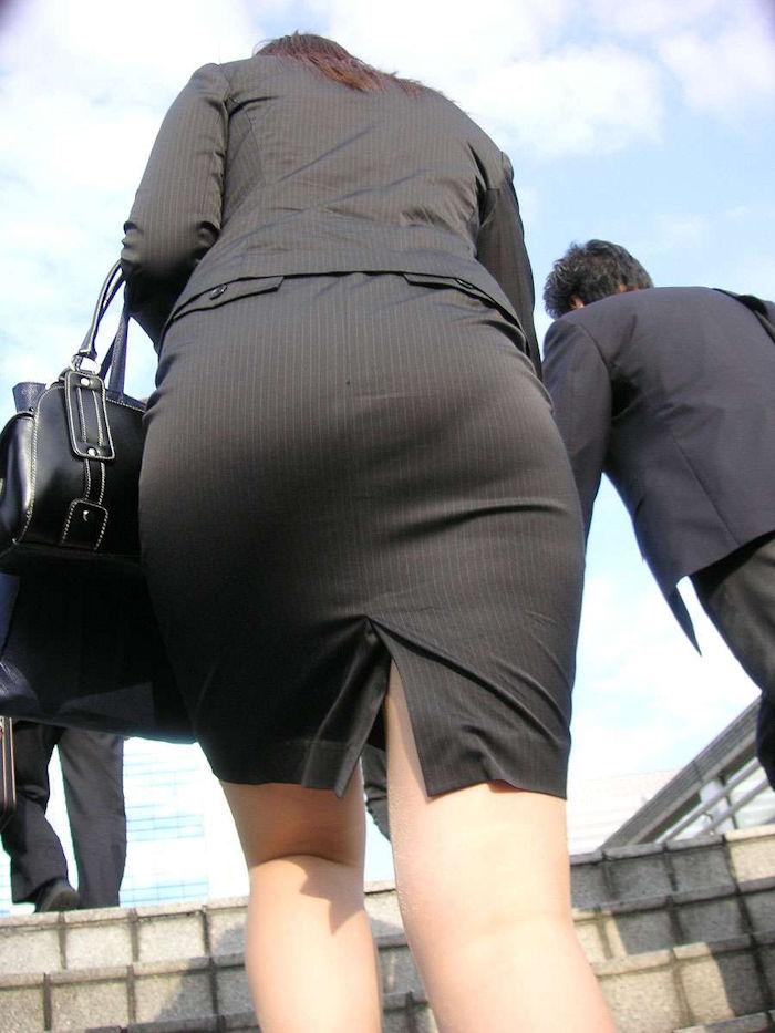 階段 背後 お尻 見上げる エロ画像【19】