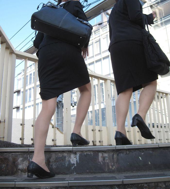 階段 背後 お尻 見上げる エロ画像【30】