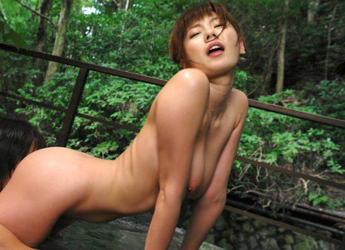 温泉 セックス 露天風呂 エロ画像【5】