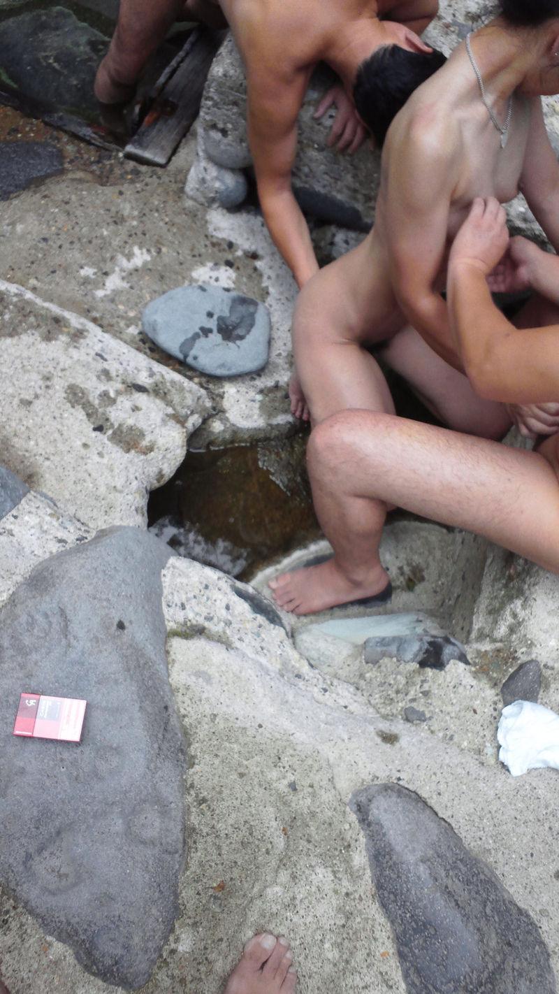 温泉 セックス 露天風呂 エロ画像【9】