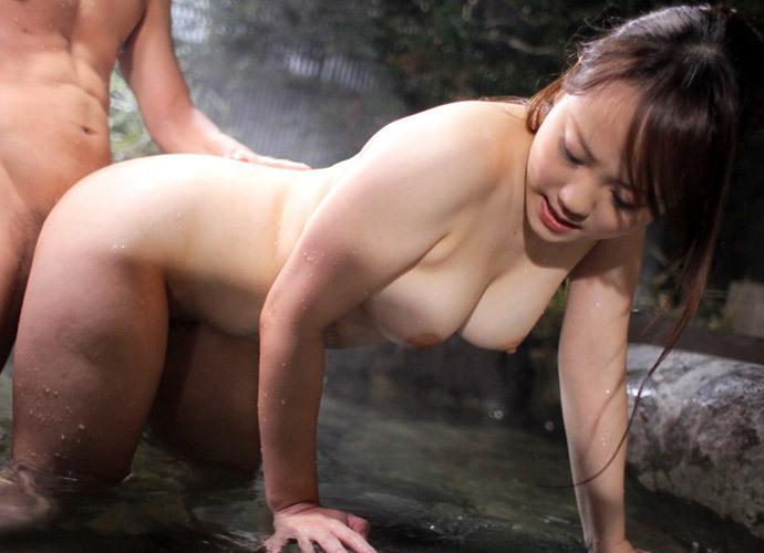温泉 セックス 露天風呂 エロ画像【15】