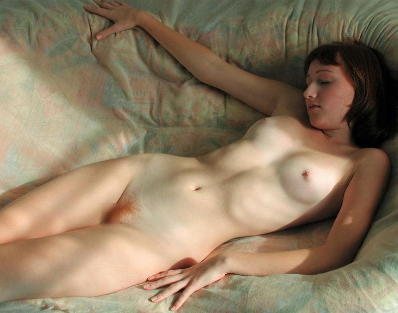 ヌード 外国人 仰向け 寝転び おっぱい エロ画像【20】